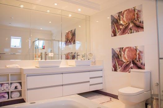 Sprzątanie łazienki + przepis na naturalny środek do czyszczenia toalety