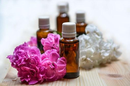 10 sposobów na wykorzystanie olejków eterycznych podczas sprzątania