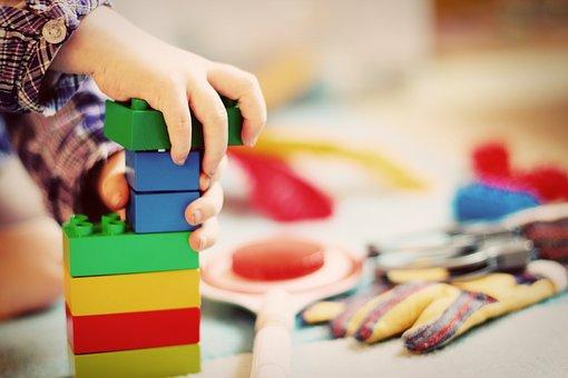 Wybieramy kreatywne zabawki na prezent