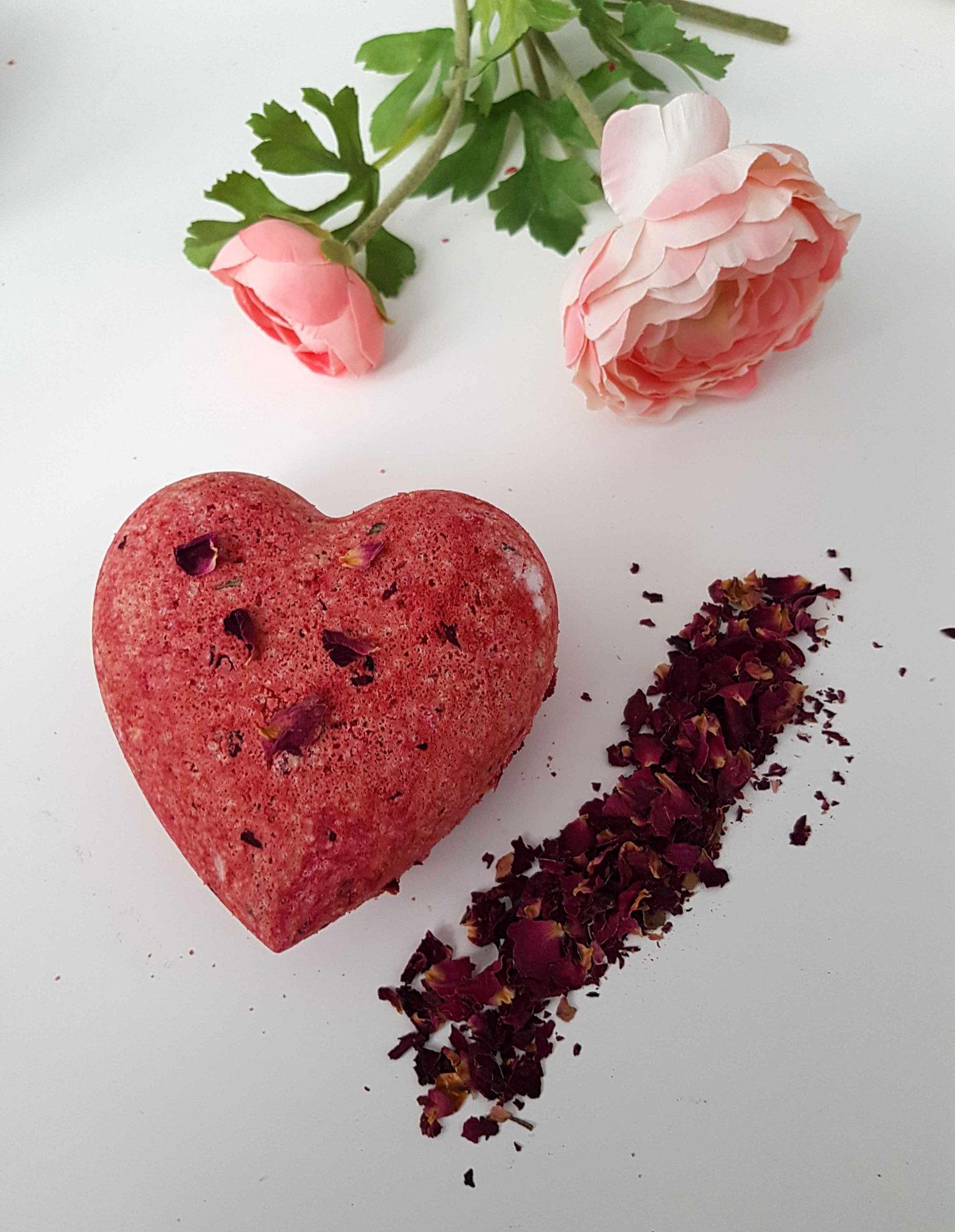 Przepis (DIY) na różane kule do kąpieli