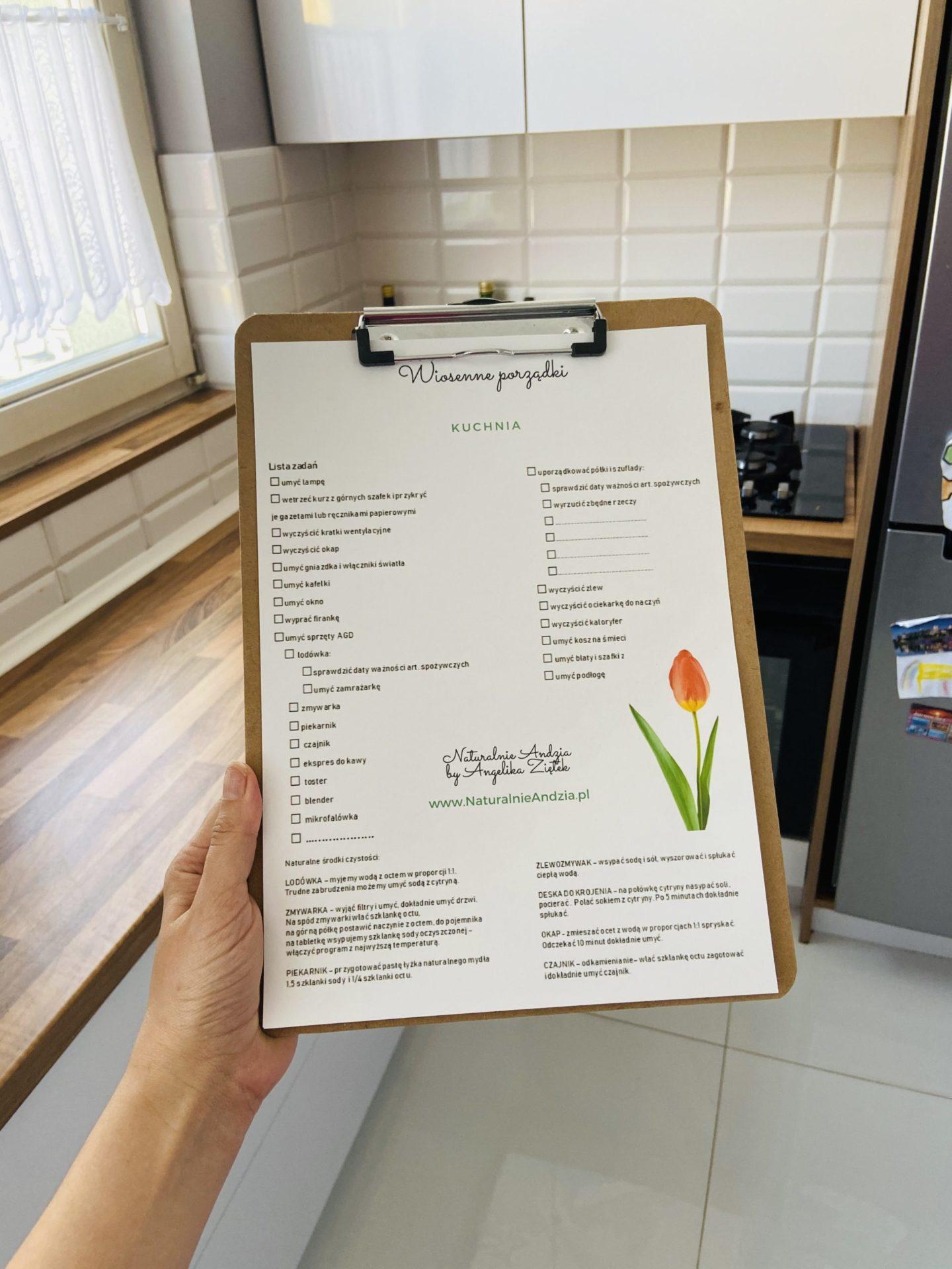 Planery wiosennych porządków z przepisami na naturalne środki czystości do pobrania